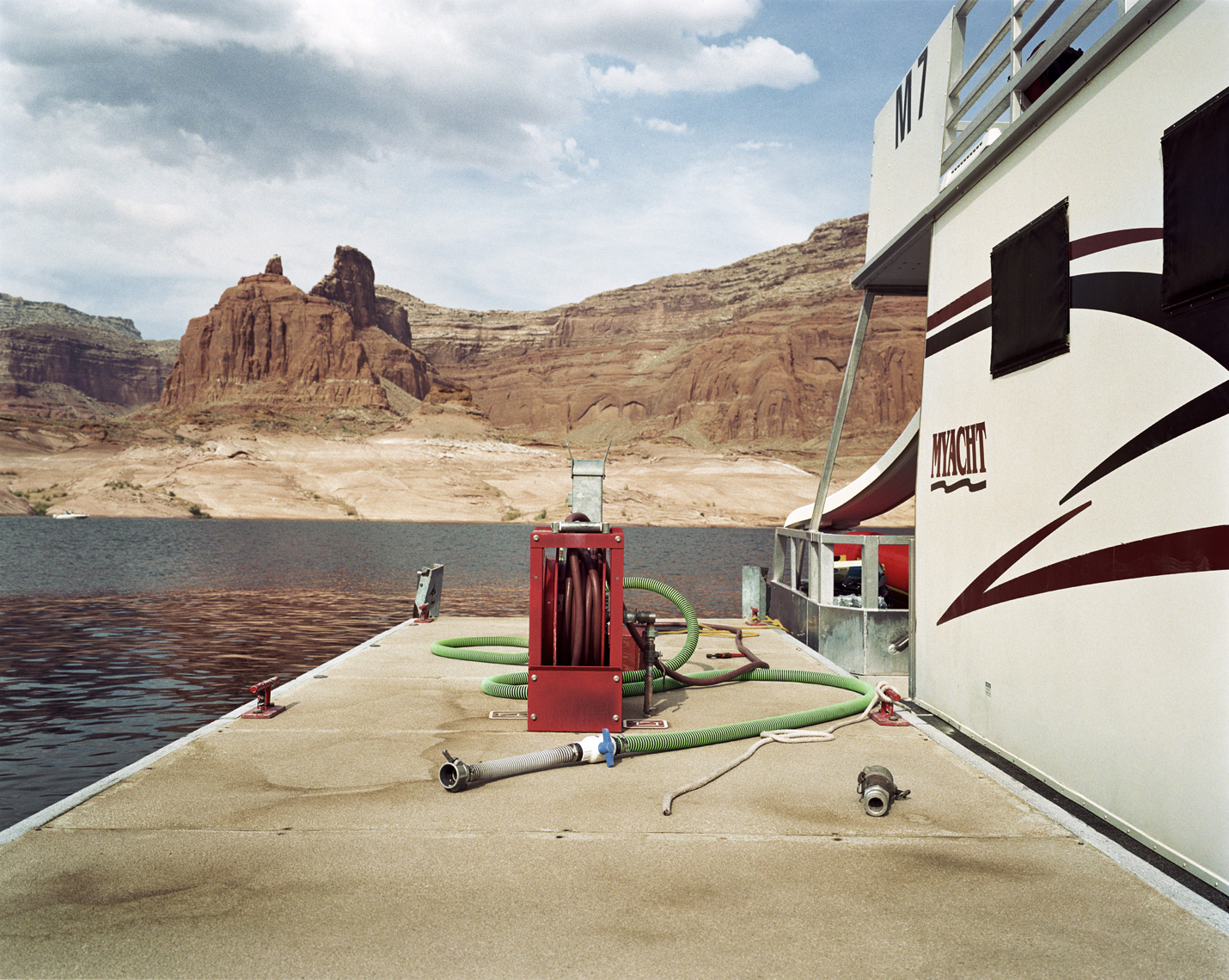 Houseboat with Green Hose | Lake Powell